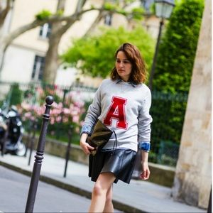 Tops - French label soft sweatshirt letter a